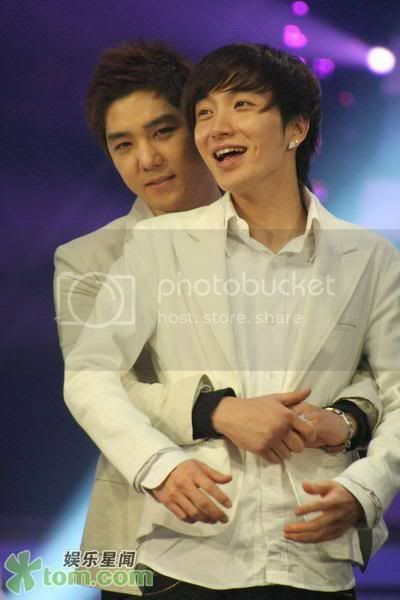 Make up and more make up - kangin leeteuk romance superjunior yaoi kangteuk - chapter image